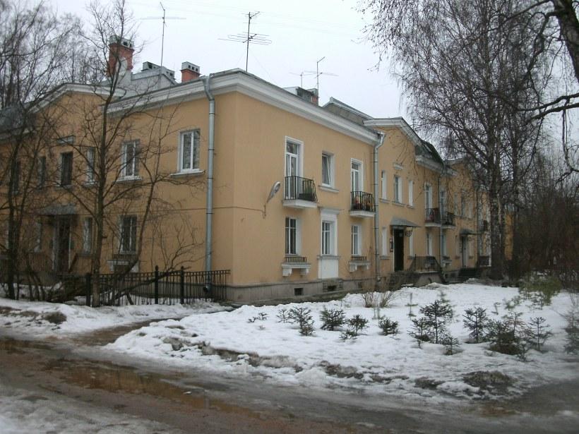 Дибуновская ул. 8