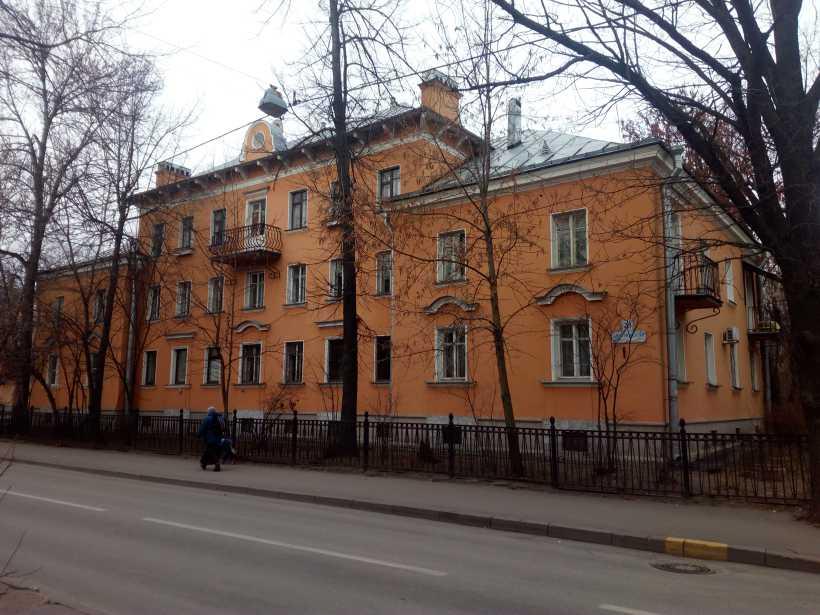 Дибуновская ул. 23