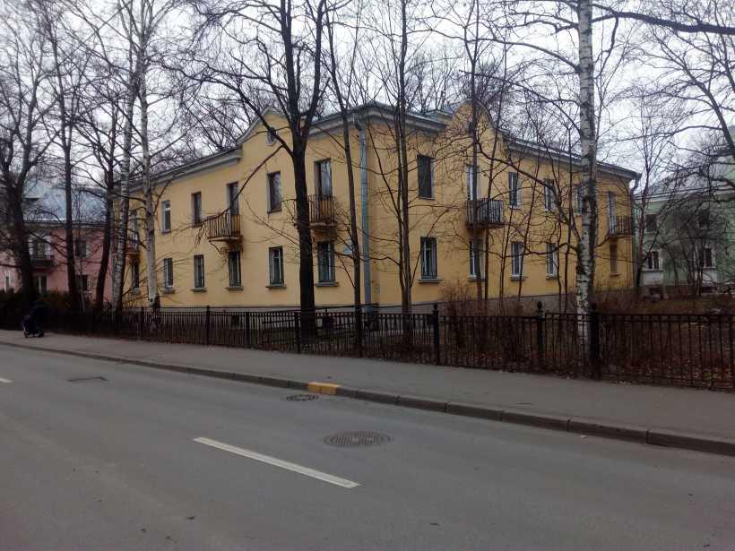 Дибуновская ул. 7