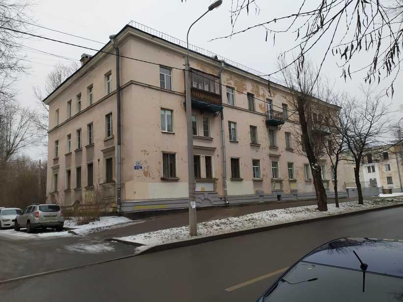 ул. Лётчика Пилютова 8
