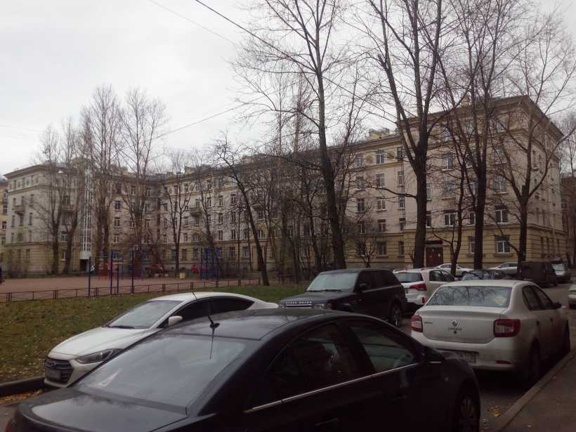 ул. Полярников 7