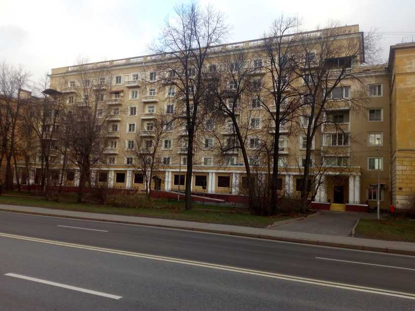 Октябрьская наб. 76к1