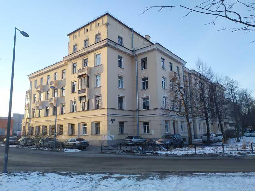 ул. Пилотов 24