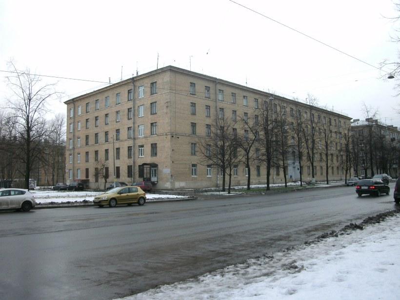ул. Ленсовета 23