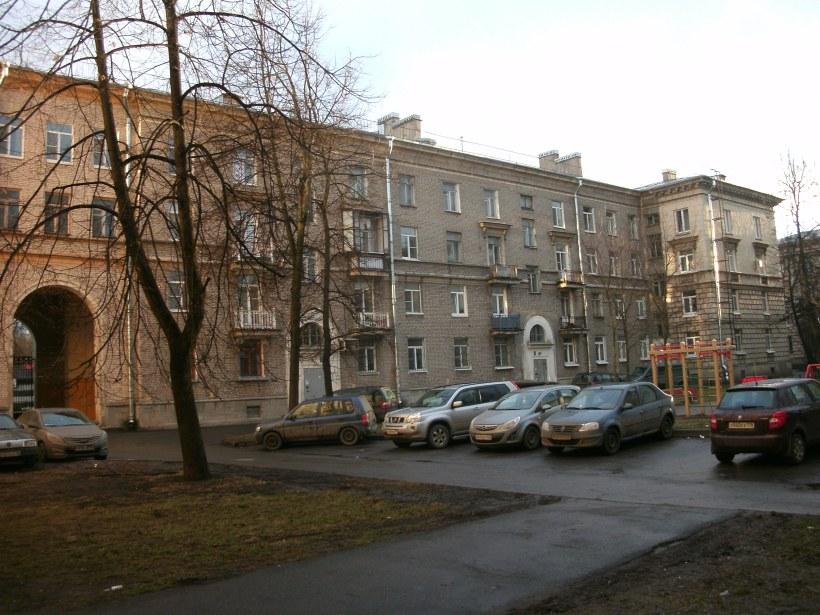 ул. Веры Слуцкой 7