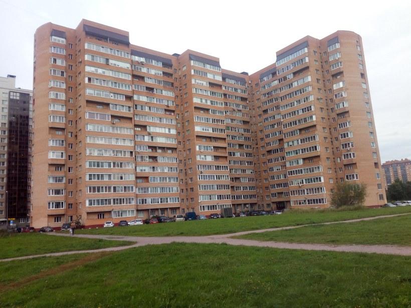 Загребский бульвар 15