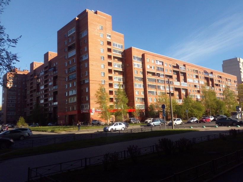 ул. Бутлерова 13