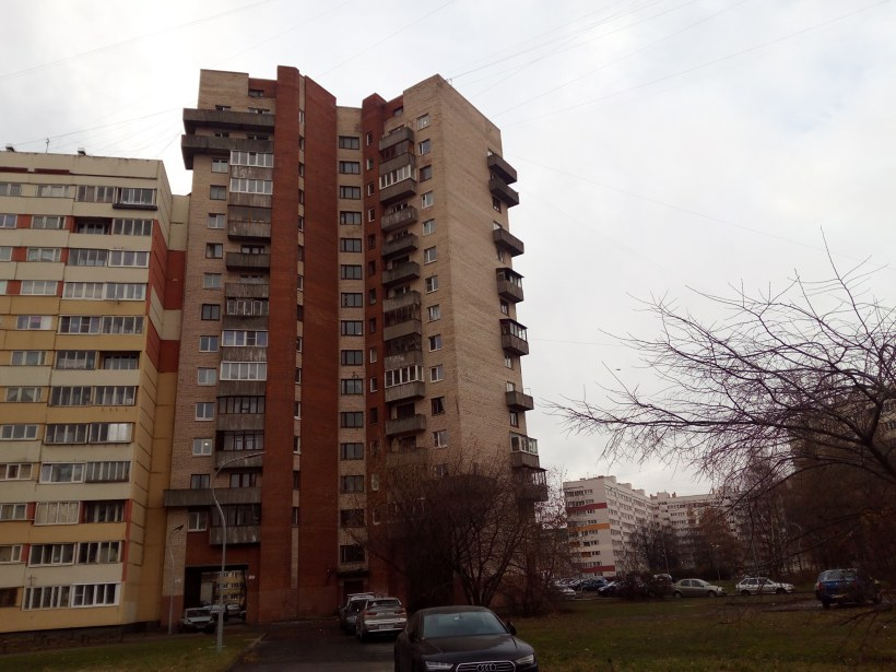пр. Маршала Жукова 30к2, парадная 3