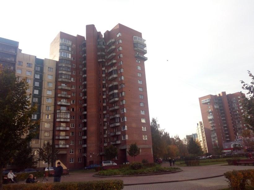 пр. Кузнецова 17, парадная 5