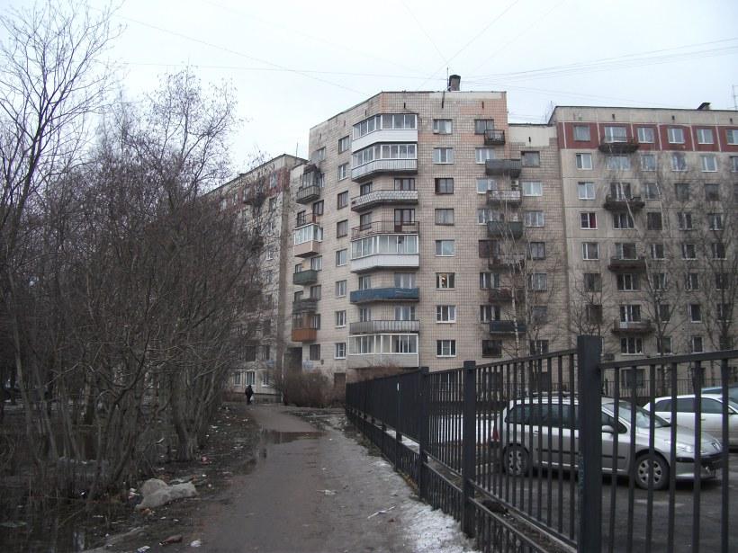 пр. Художников 21