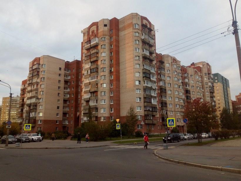 Брестский Бульвар 11/ул. Маршала Захарова 36