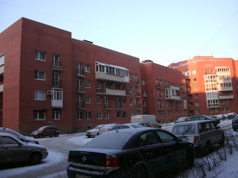 ул. Ленсовета 69к1