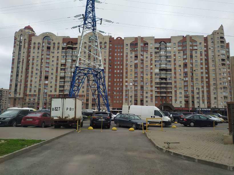 ул. Ленсовета 90
