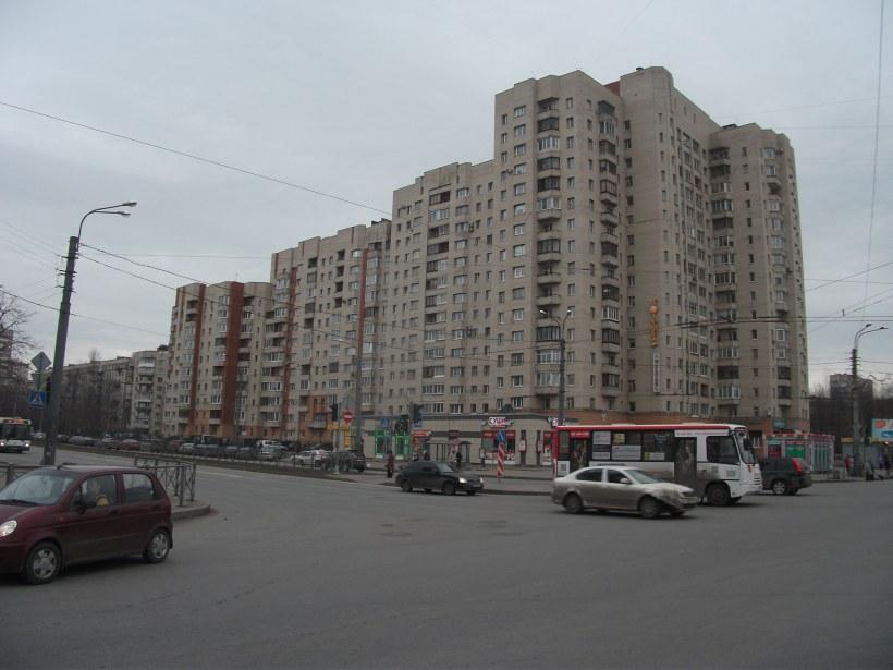 пр. Луначарского 64