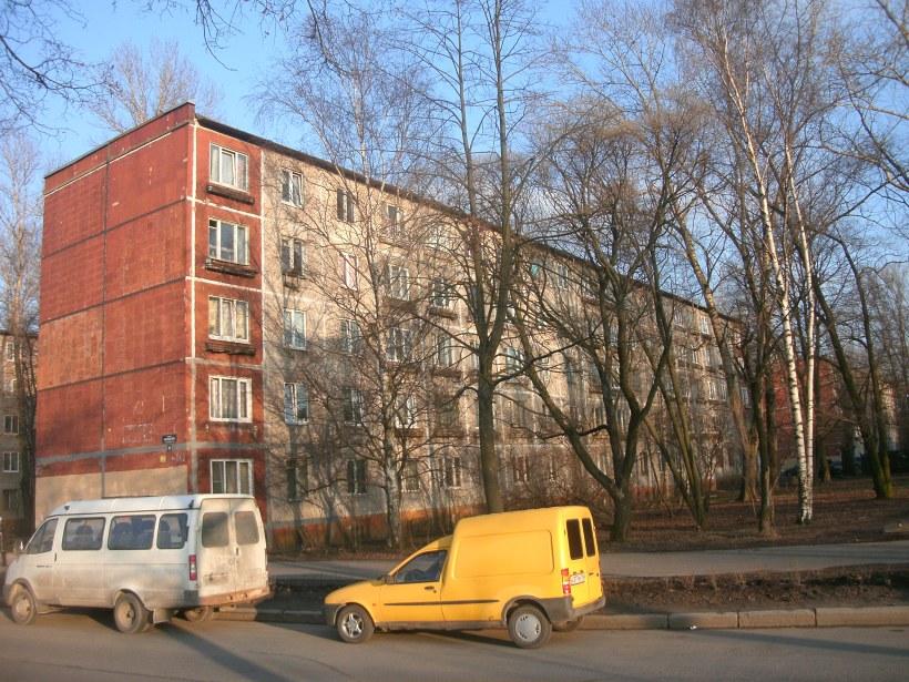 бульвар Красных Зорь 20