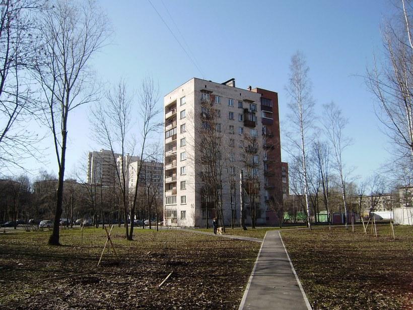 ул. Ленсовета 50