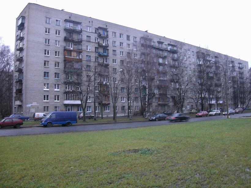 ул. Бутлерова 32