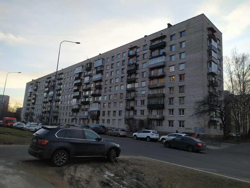 ул. Лени Голикова 7