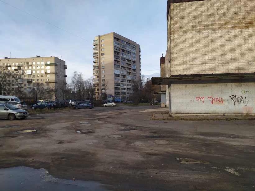 ул. Лени Голикова 27к2