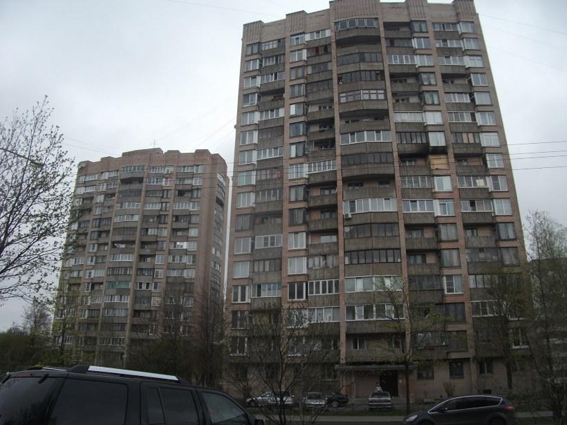 ул. Ивана Фомина 3 и Поэтический бул. 8