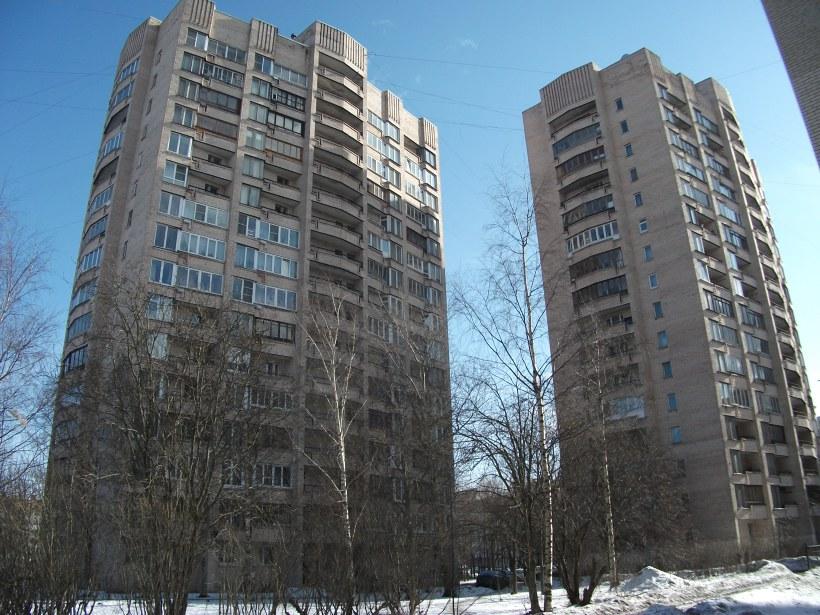 ул. Кустодиева 22 и 24