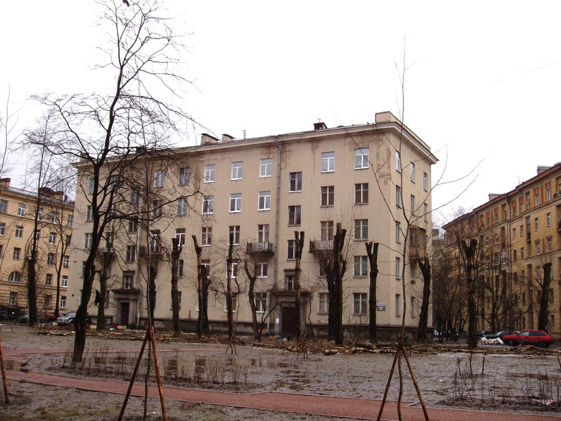 ул. Полярников 10