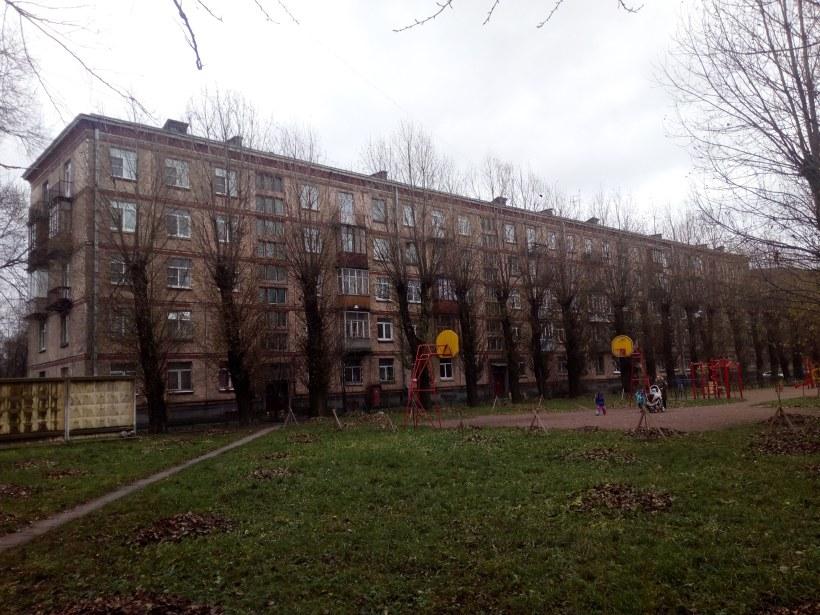бульвар Красных Зорь 11