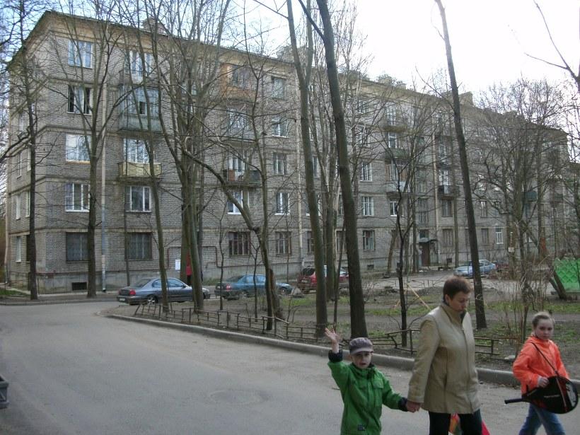 Дрезденская ул. 16