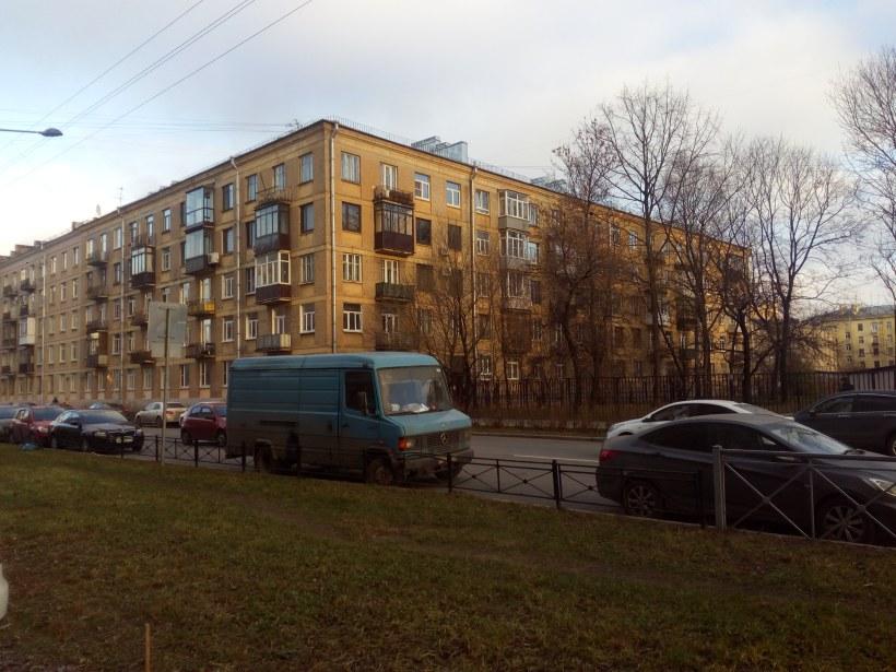 Варшавская ул. 26