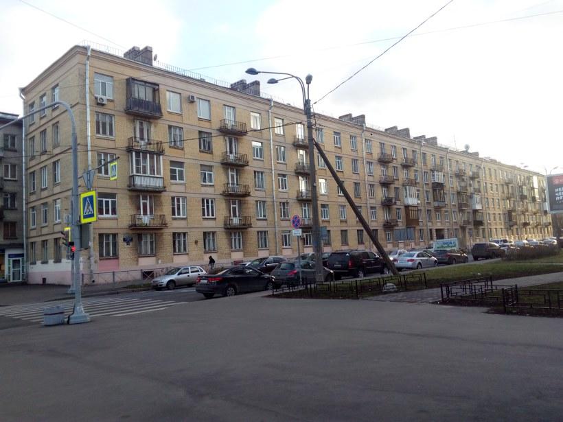 Варшавская ул. 22
