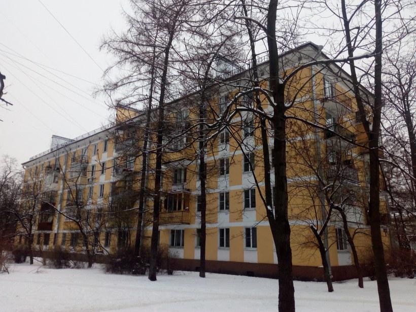 ул. Типанова 9