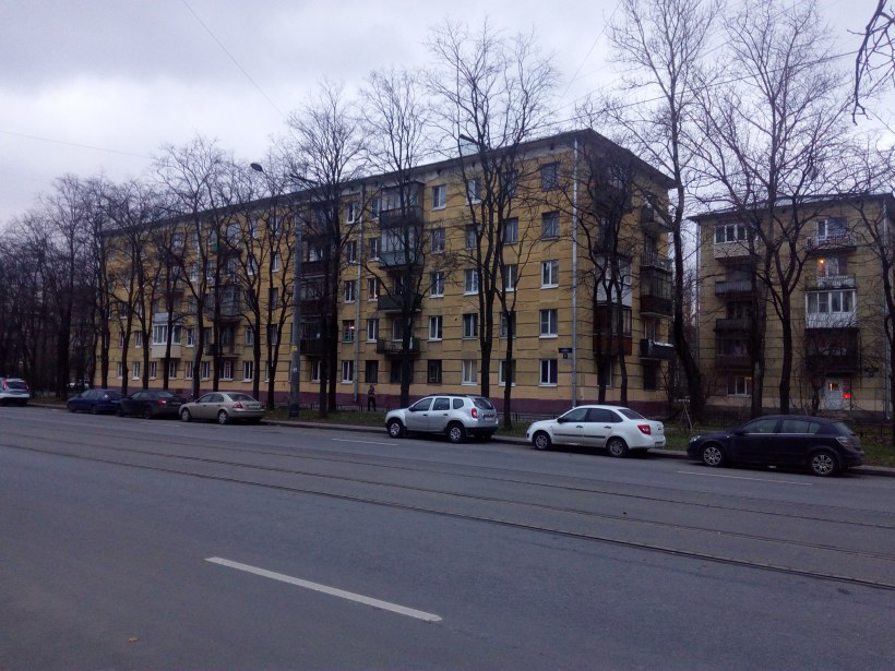 ул. Ленсовета 47