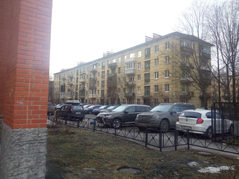 ул. Ленсовета 67к1
