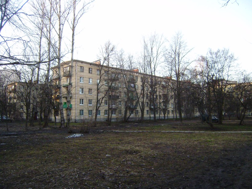 ул. Ленсовета 51