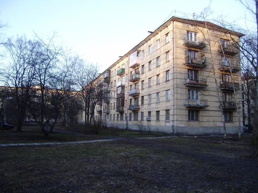 ул. Ленсовета 55