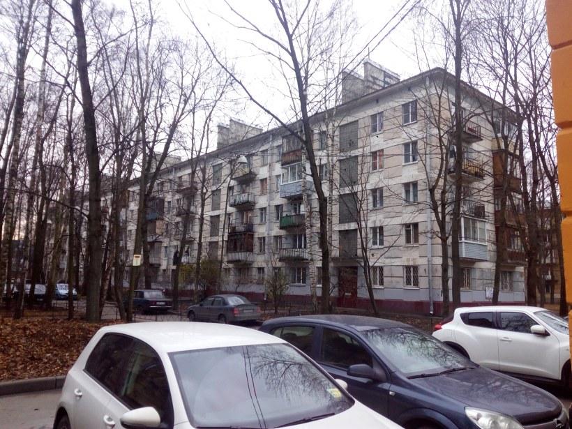 ул. Ленсовета 32