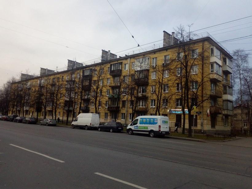 ул. Ленсовета 42
