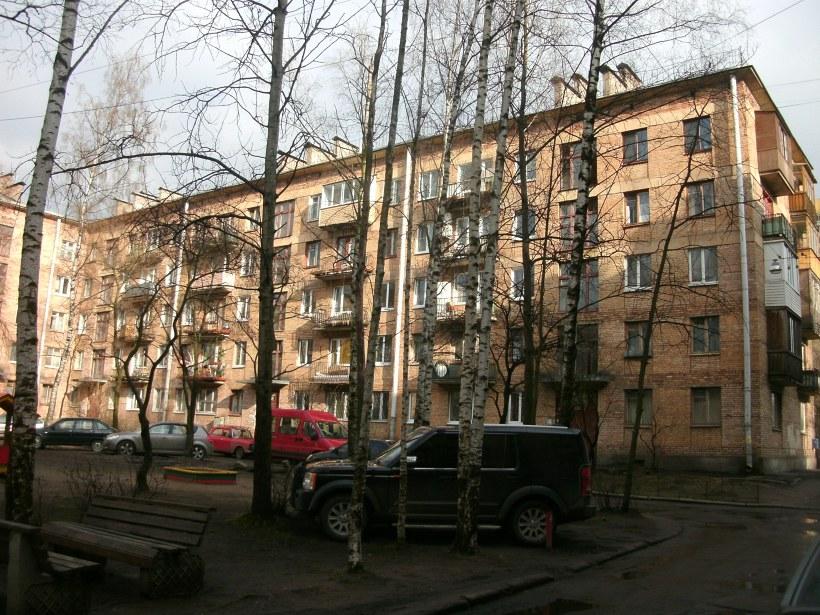 Сердобольская ул. 11, Парадные 4-6