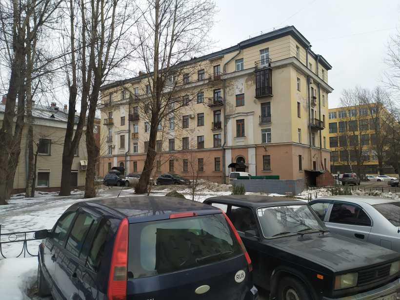 Дубровская 13