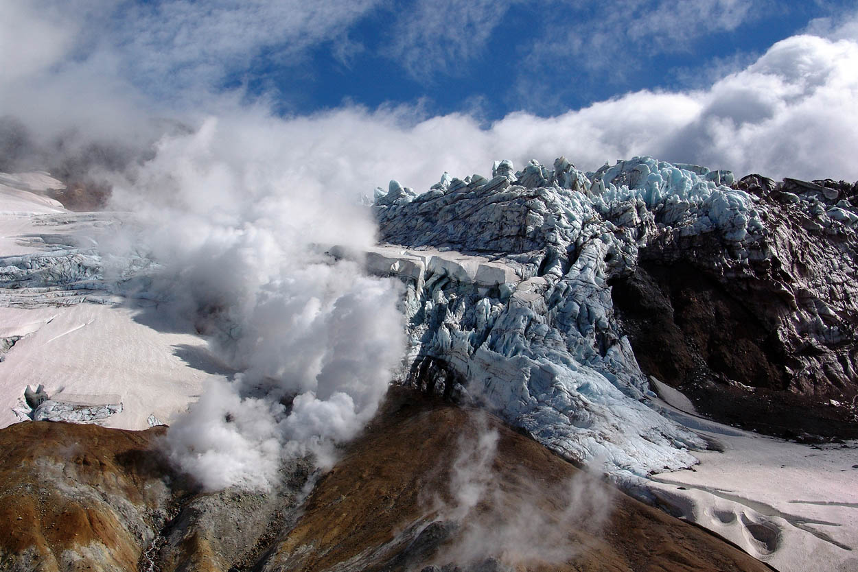 Вулкан Мутновский - Камчатка, Россия