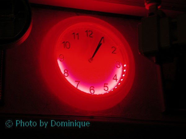 Подсветка настенным часам своими руками