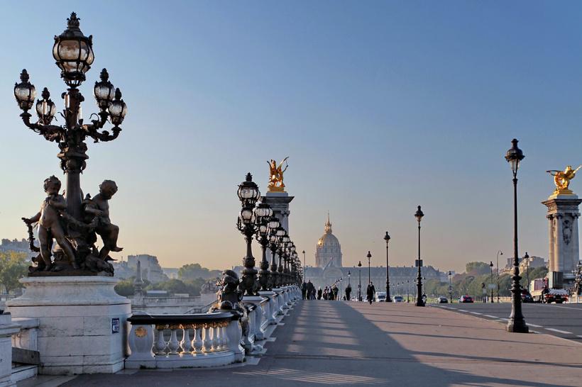 561110w Париж. Легендарный Мост Александра III.