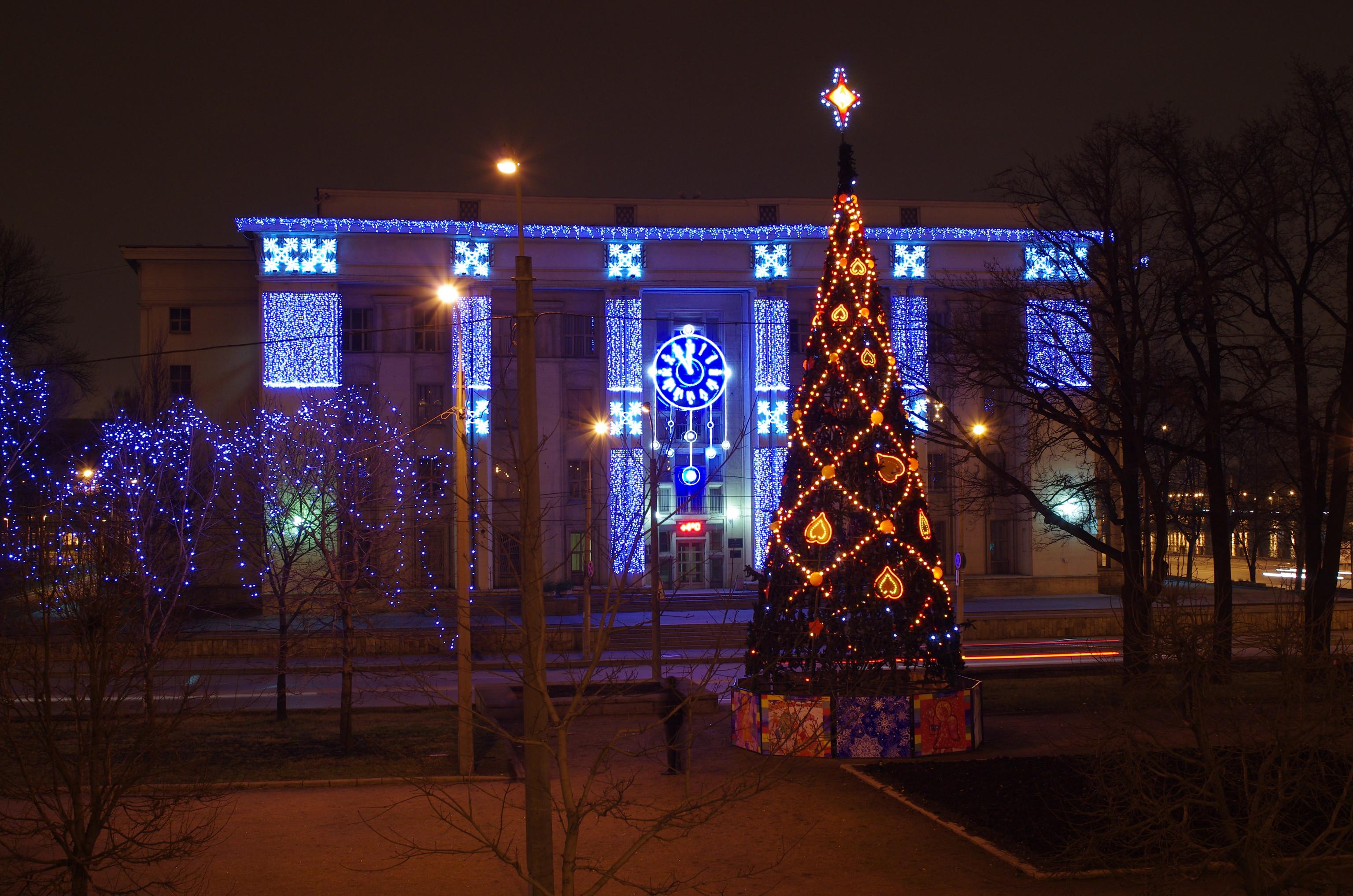 С новым годом оформление здания